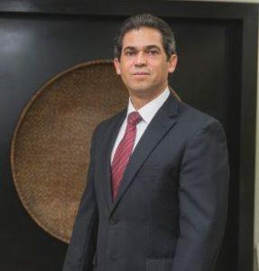 Dr. Adelmo